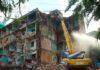 Phá dỡ chung cư cũ
