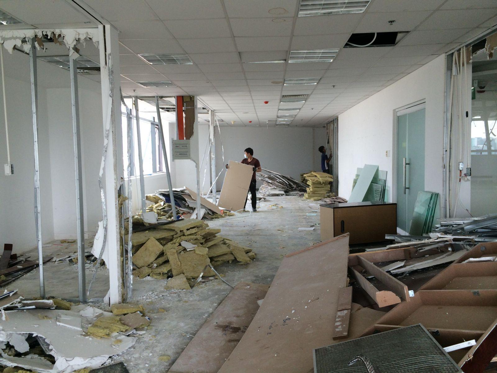 Tháo dỡ văn phòng