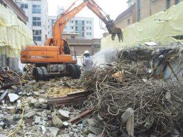 Phá dỡ công trình tại Tiền Giang