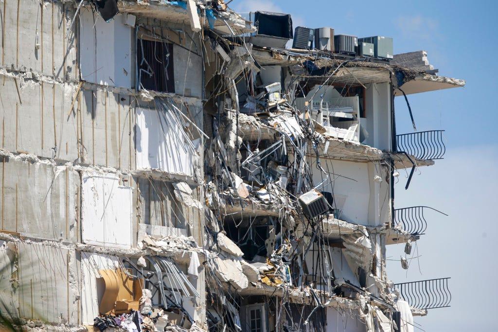 Phá dỡ công trình tại Bình Tân