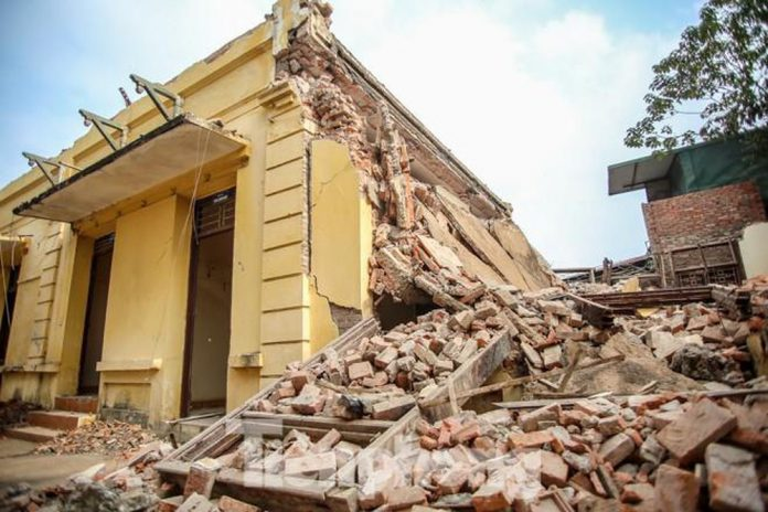 Phá dỡ công trình tại Đồng Tháp