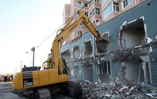 Phá dỡ công trình tại Thuận An