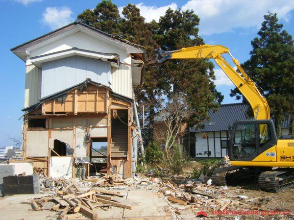 Phá dỡ công trình tại Vĩnh Long