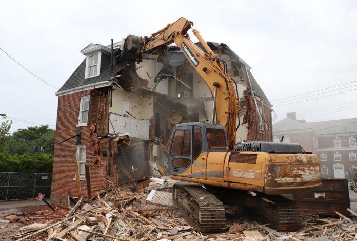 Phá dỡ nhà cũ tphcm