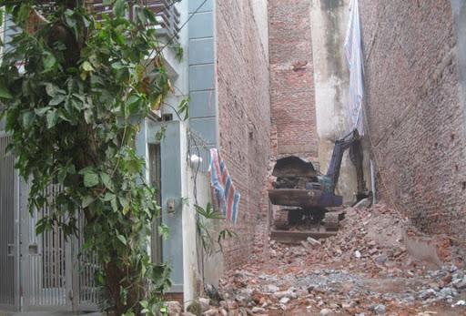 Phá dỡ nhà chung tường